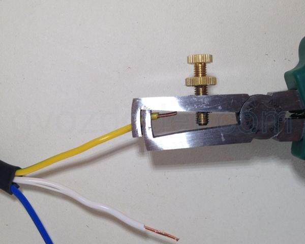 Перекусывание одножильного кабеля 2,5 мм