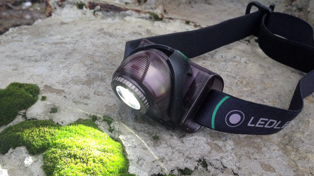 Всепогодный напарник: Налобный фонарь LEDLENSER MH6