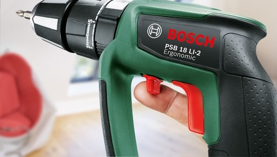 Реверс реализован в Bosch PSB 18 Li-2 Ergonomic необычно