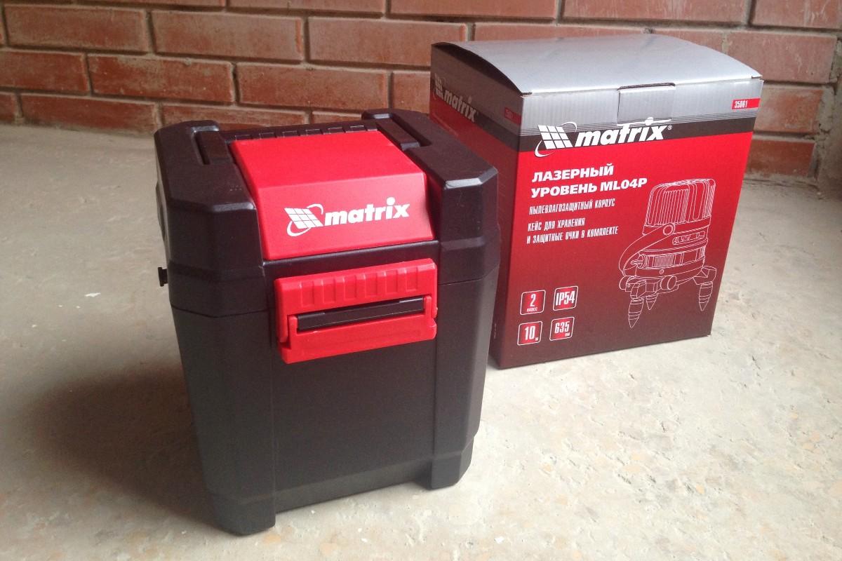 Лазерный уровень Матрикс упакован в цветной картон