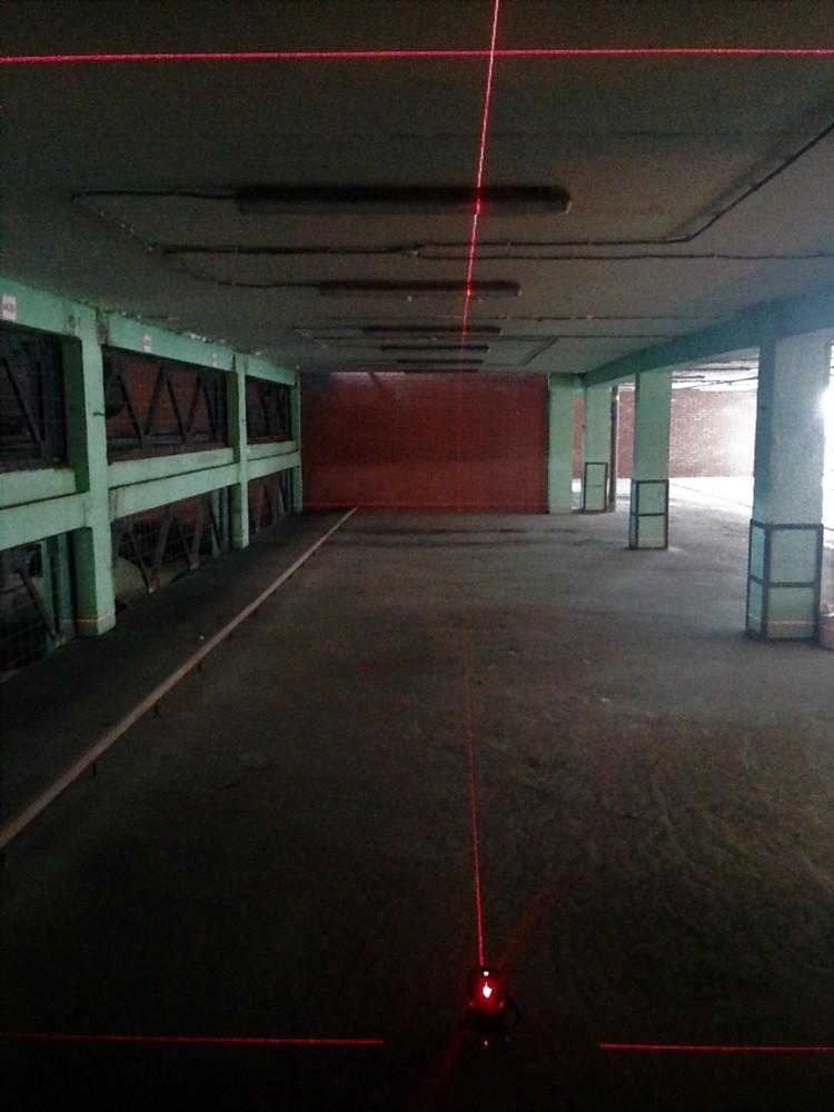 Лазерный уровень светит на 18 метров