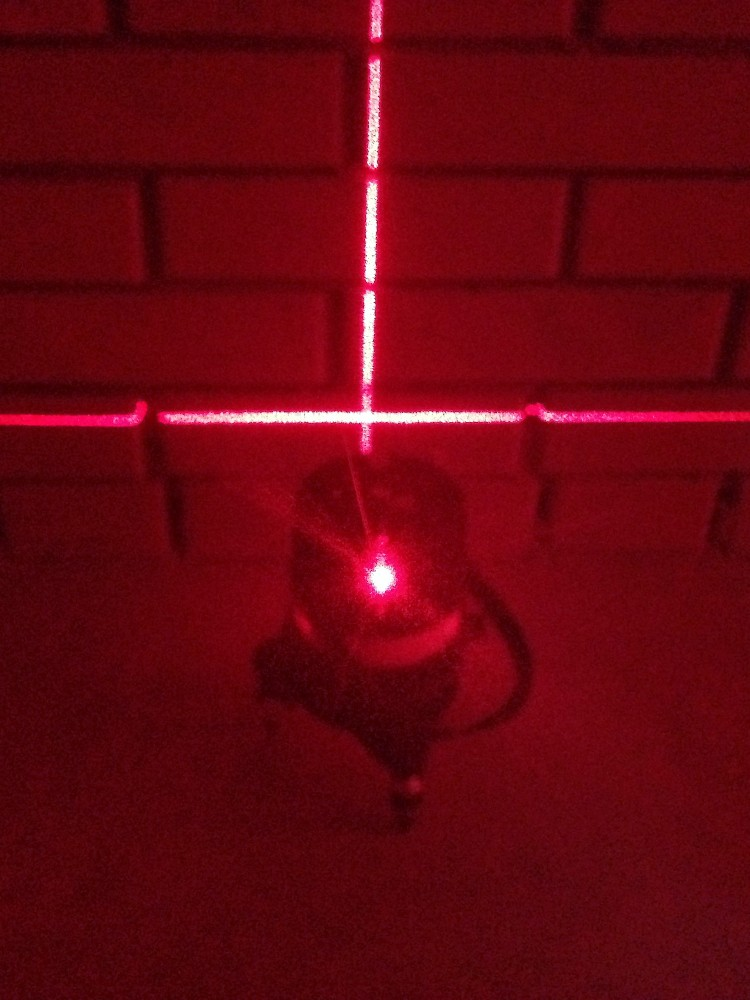 В очках лазер светит ярче
