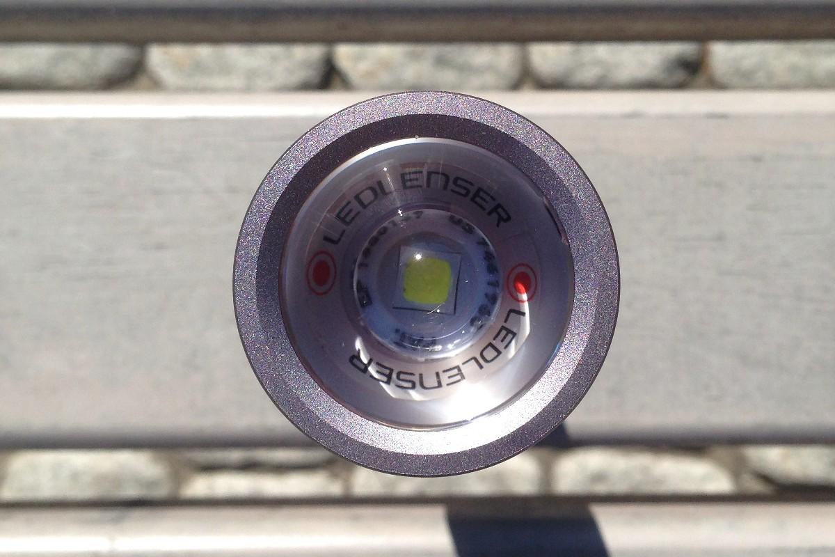 Линза и светодиод фонаря Led Lenser MT14